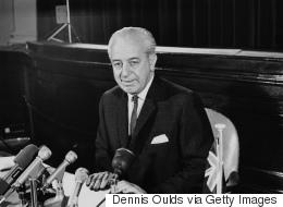 خرج للنزهة قبل 50 عاماً ولم يعُد! قصة رئيس وزراء أستراليا الذي حيّر اختفاؤه الآلاف الذين بحثوا عنه
