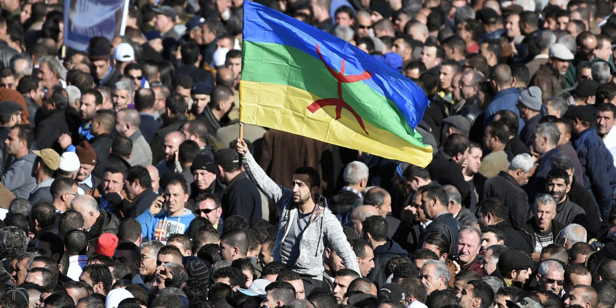 الجزائر تُقرُّ رأس السنة الأمازيغية عطلة وطنية.. مزايدة سياسية أم استجابة لمطالب الأمازيغ؟