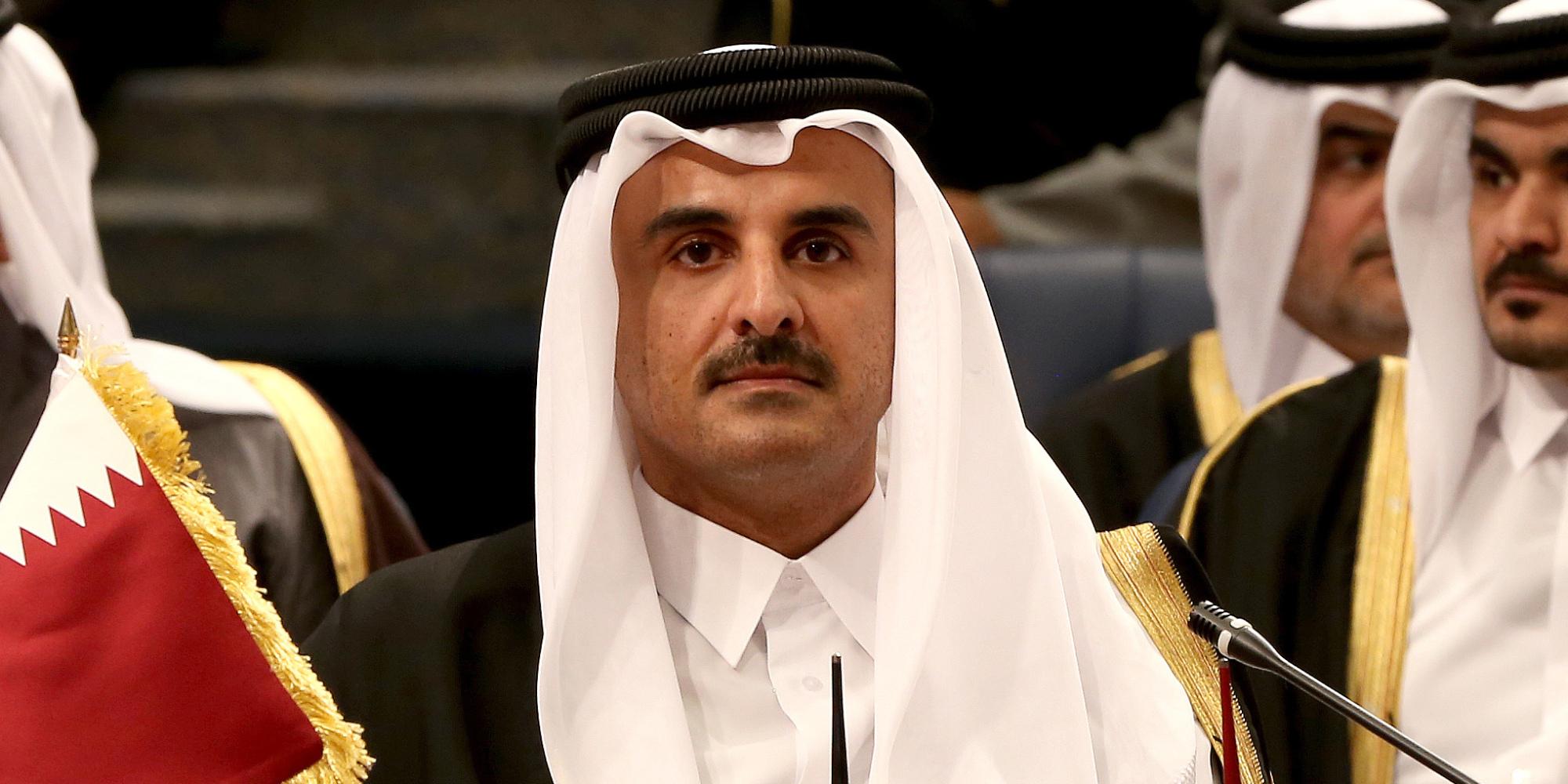 أمير قطر يُغرد على تويتر.. وصف 2017 بالعام الثقيل على الأمة وعبَّر عن أمنيته في 2018