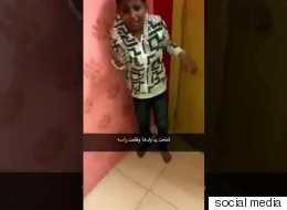 تضربه بيد وتصوِّر بالأخرى! فيديو لأم تضرب ابنها حتى نزف رأسه يثير الغضب في السعودية