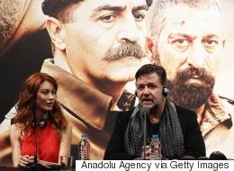 بعد أن وصفه بالممثل الرائع.. راسل كرو يشيد بترشيح مهند لدور أتاتورك