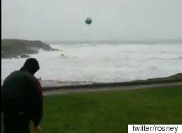 155km 강풍이 만들어낸 축구공의 기적같은 궤적(영상)
