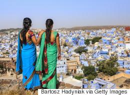 ملابس داخلية للنساء في الهند بها كاميرا وجهاز إنذار وGPS! لن تُخلع إلا بكتابة كلمة المرور الصحيحة