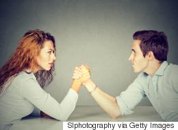 دراسة جديدة: المرأة أقوى من الرجل بيولوجياً.. ولأسباب متعددة