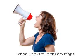 دراسة: أصوات النساء انخفضت عما كانت عليه قبل 20 عاماً.. وهذا هو السبب