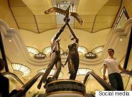 تمثال ديانا ودودي سيغادر متجر هارودز ويعود لأسرة الفايد.. ووليام وهاري سيكرمان والدتهما بطريقتهما الخاصة