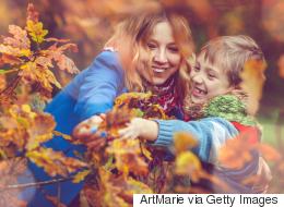 الشمس والنجوم والأشجار.. كيف تجعل الطبيعة تشاركك في تربية طفلك؟