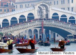 3 شرائح لحم قد تكلفك أكثر من 1300 دولار في مدينة البندقية.. قصة طلبة آسيويين تكشف كيف تستغل مدن أوروبية السياح