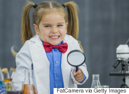 دعنا نساعدك في تربية طفلك ليصبح آينشتاين القادم.. هذا كل ما عليك فعله