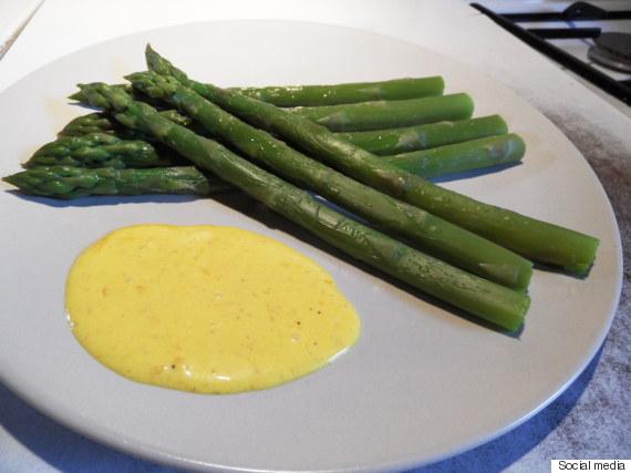 asperges sauce crème mousseuse