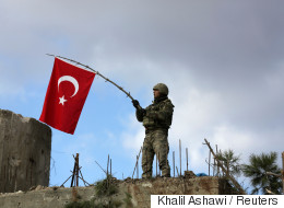احتلال أم لأسباب أخرى.. لماذا يرفع الجنود الأتراك علم تركيا في عفرين؟
