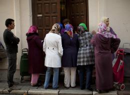الإكراه على الزواج جريمة وعقوبةٌ مشدَّدة للمتحرش.. البرلمان المغربي يقرُّ أول قانون لمحاربة العنف ضد النساء