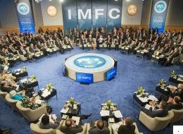 البنك الدولي وصندوق النقد الدولي.. كيف نشأت الليبرالية الاقتصادية؟ وهل يصلح