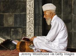 لحوم العلماء مسمومة وأركان الإسلام الخمسة.. عن ديننا الذي تعلمناه مشوهاً!