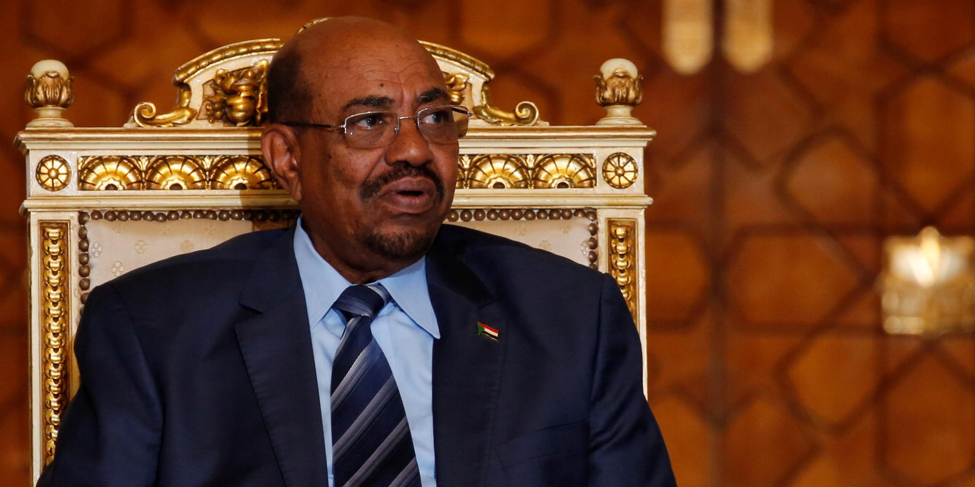 السودان يعلِّق على نبأ قيامه بترحيل قيادات مصرية من الإخوان المسلمين