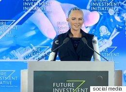 الروبوت صوفيا تكشف عن ممثلها المفضل.. إجابتها حول القضاء على الجنس البشري قوبلت بالتصفيق!