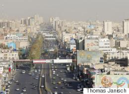 إيران تعيد تسمية شارع باسم شخص ضرب مصالح بريطانيا في الخليج.. قصة الطريق الذي تغير اسمه مرتين!