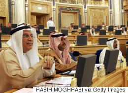 مجلس الشورى السعودي يناقش توصية بتأخير صلاة العشاء ساعتين بعد المغرب