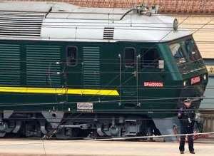 زعيم كوريا الشمالية بقطاره الأخصر n-TRAIN-AT-BEIJING-large300.jpg