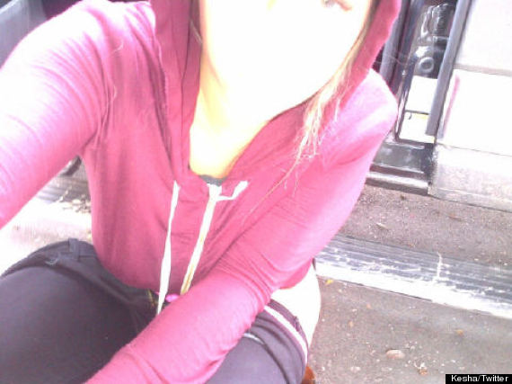 Keha Tweets Photo Of Herself Peeing In The Street Photo  Huffpost-5460