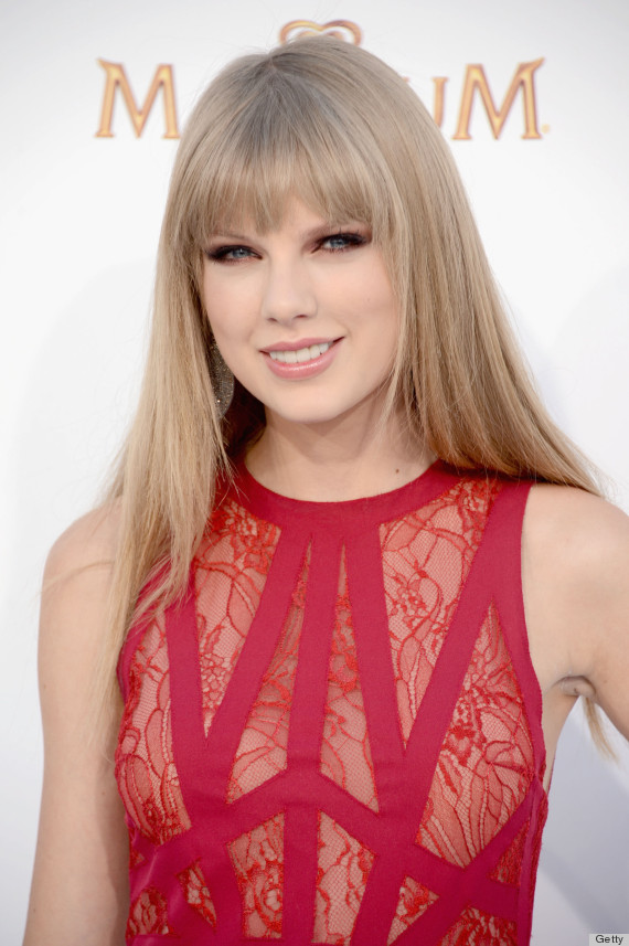 taylor swift gold gown