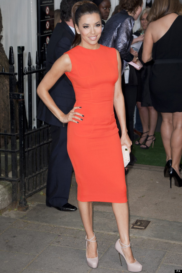 eva longoria victoria beckham. Bonus info: Dress look familiar?
