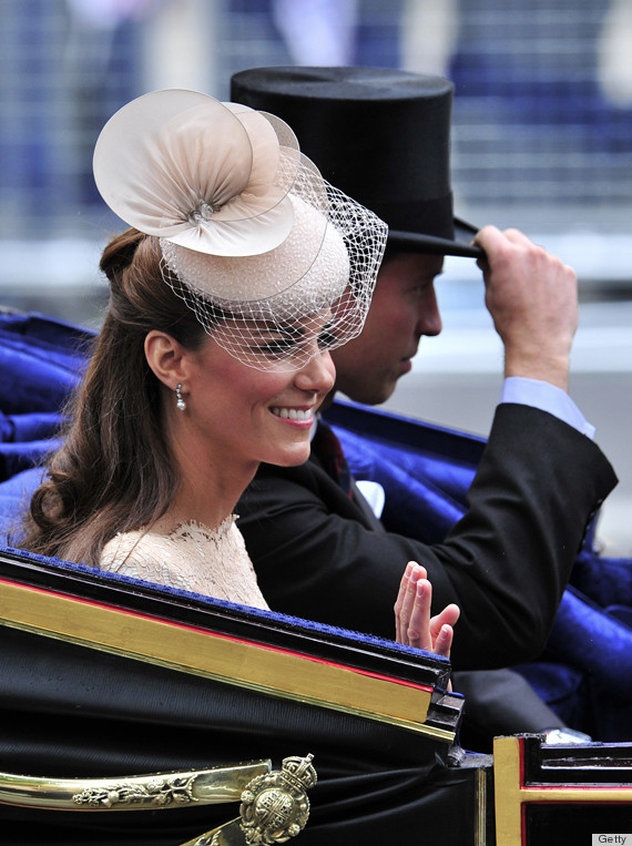 kate middleton fake earrings