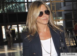 PHOTO: Jennifer Aniston Pulls An MC Hammer