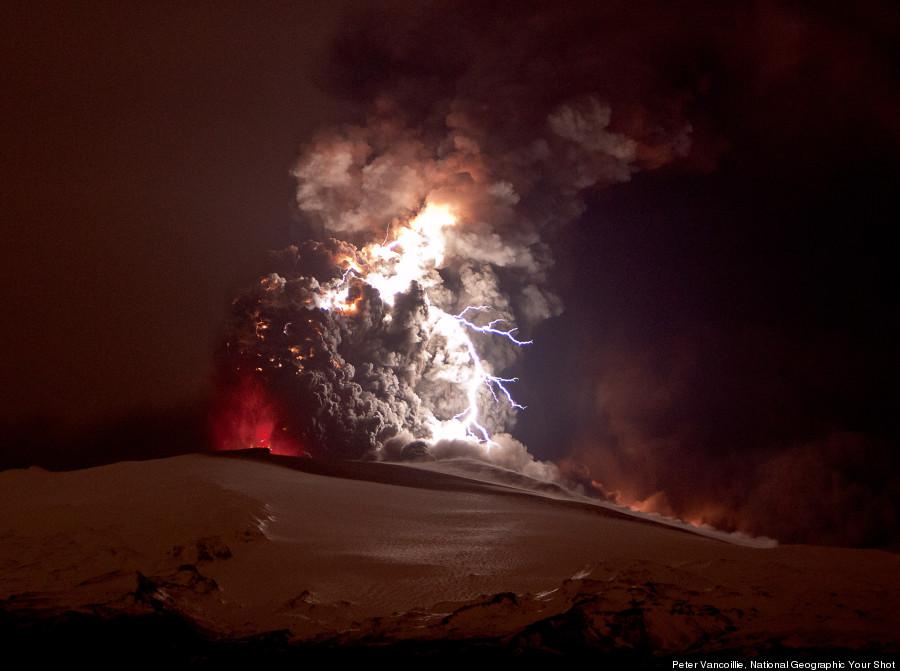 iceland volcano lightning explosion