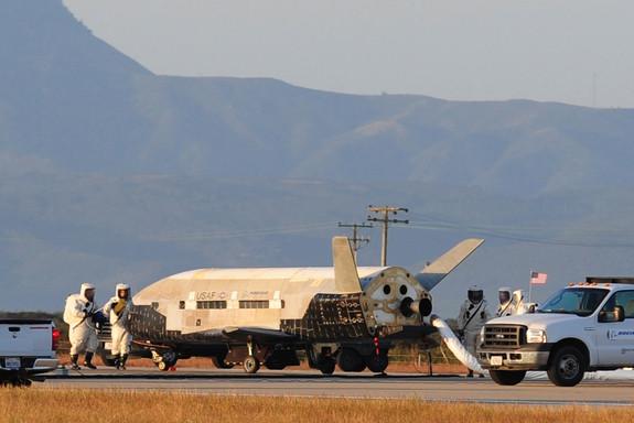 x37b plane