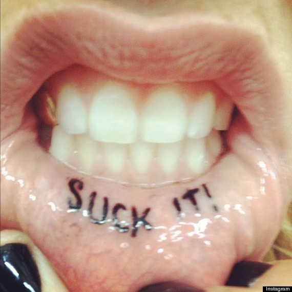 kesha lip tattoo