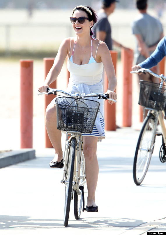 katy perry biking 4th of july