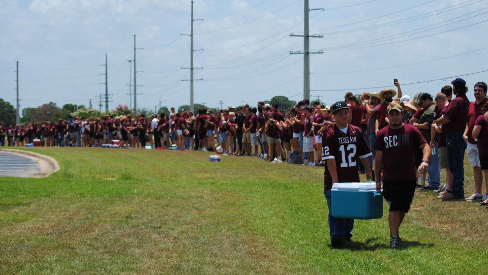 LOOK: Texas A&M Students Form Human Wall To Block Westboro Baptist Church Protestors From Soldier's Funeral