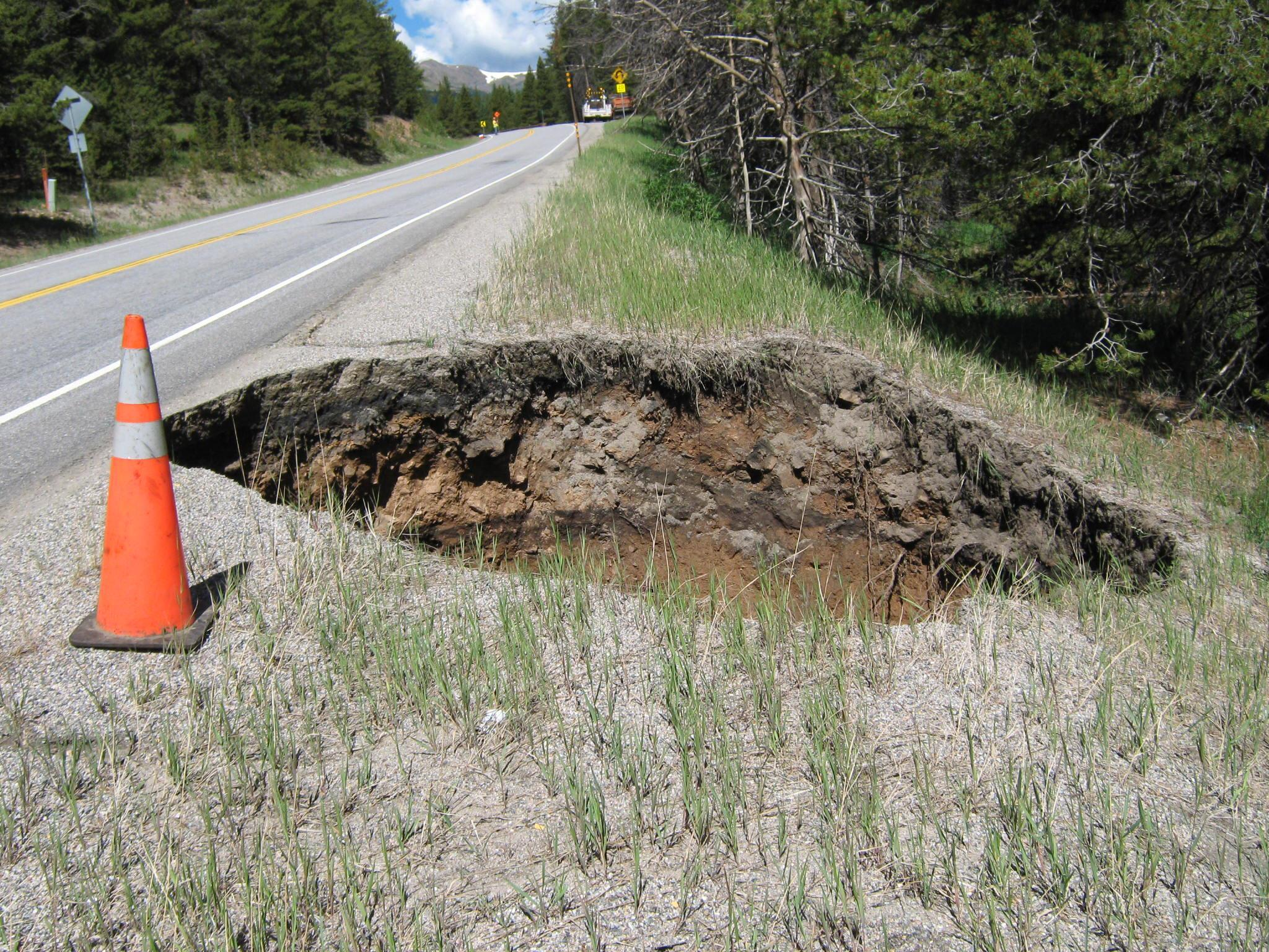 giant colorado sinkhole