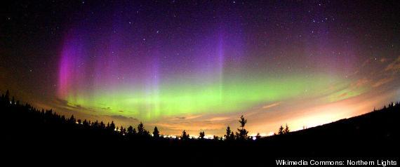 SOLAR FLARE NORTHERN LIGHTS