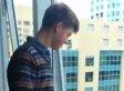 Justin Bieber Look-Alike Taunts Girls, Fans From Hotel Window (VIDEO)