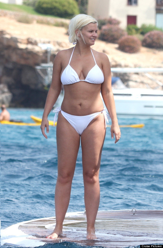 Kerry Katona Shows Off The Results Of Her   8 500 Tummy Tuck On