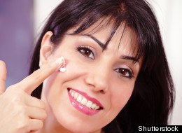 Cómo hacer tu propia base de maquillaje con protector solar