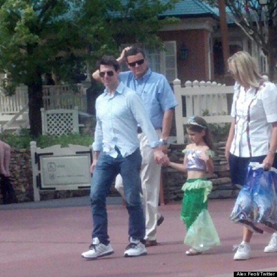 tom cruise suri cruise disney world
