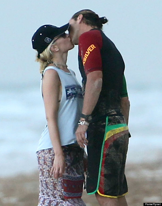 gwen stefani beach body