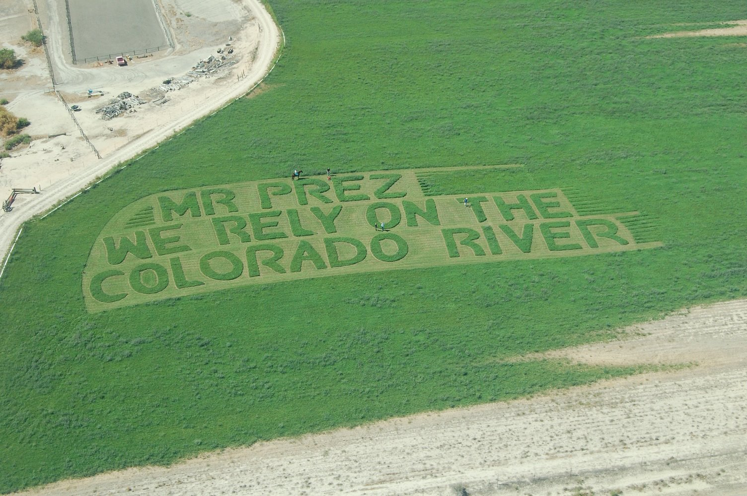 obama crop message colorado