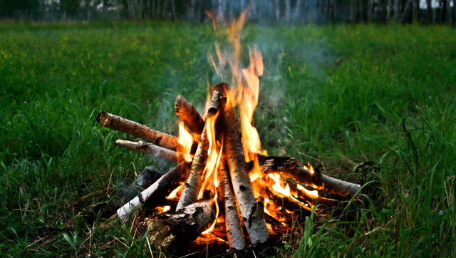 How To Remove Campfire Smoke Odor From Clothes Huffpost