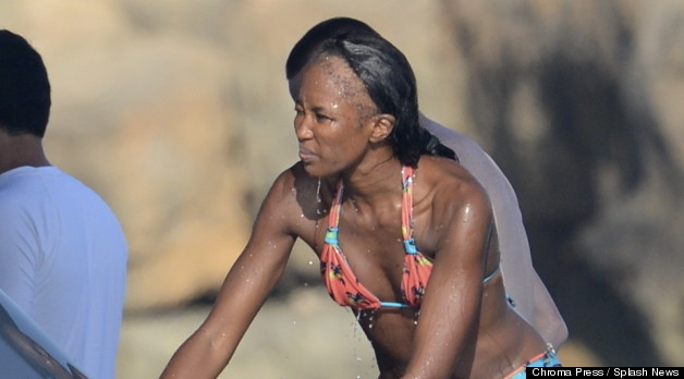 Groovy Naomi Campbell Hair Supermodel Exposes Huge Bald Spot Photo Hairstyle Inspiration Daily Dogsangcom