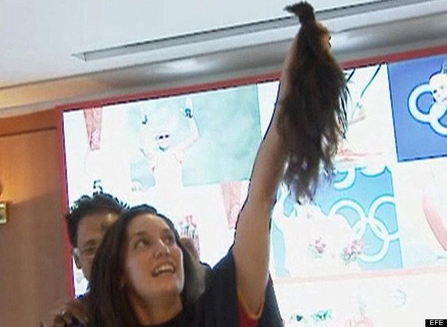 equipo sincronizado corte de pelo