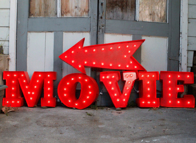 Diy idea this vintage marquee sign will make your movie for Movie marquee letters