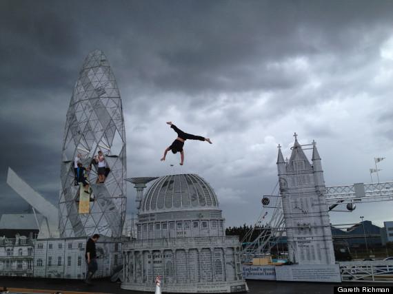 acrobat1a
