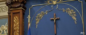 CRUCIFIX ASSEMBLEE NATIONALE