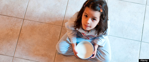 STUDENTS EAT ON FLOOR