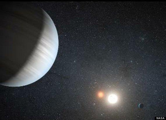 planetas con dos soles