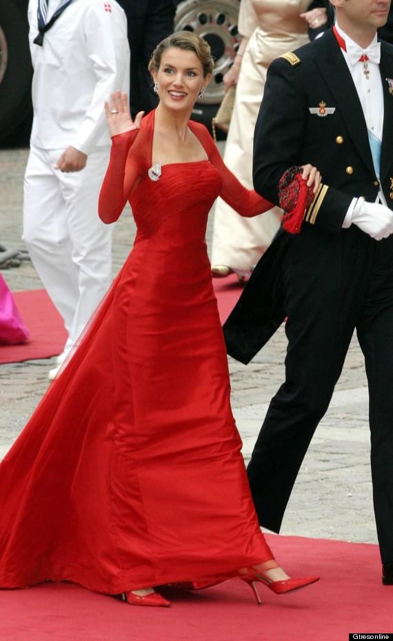 princesa letizia vestido largo rojo